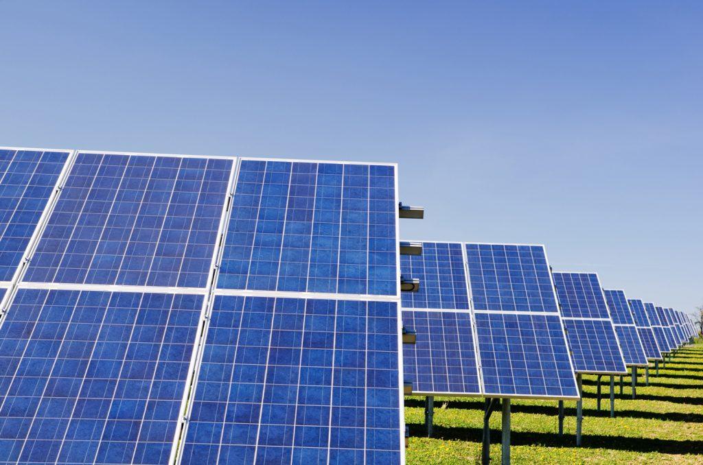 jirogasy panneaux solaires